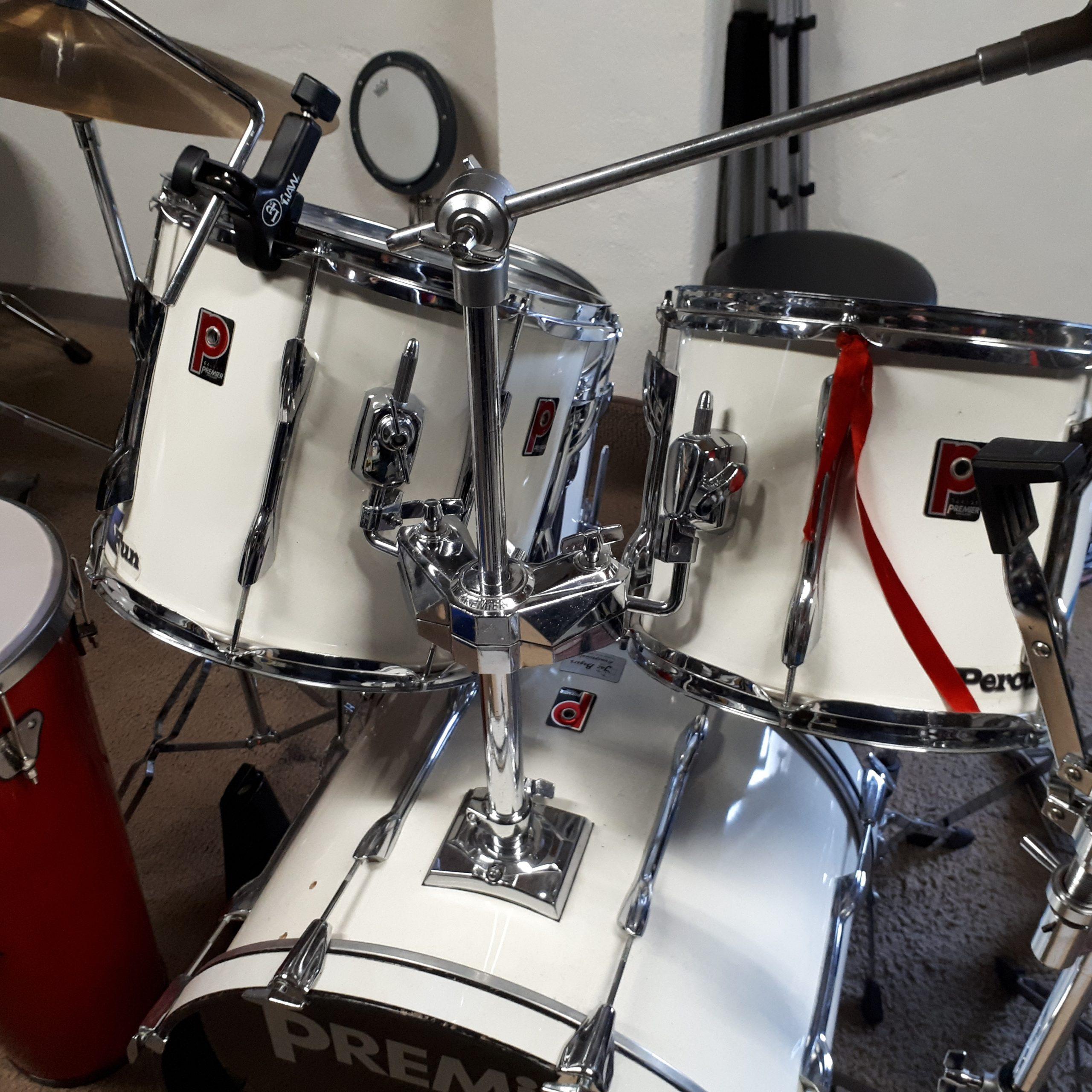 Vandaag mijn drumstel in zijn geheel gerestyled door Rhytm impact uit Berlicum. Tonn van de Veerdonk