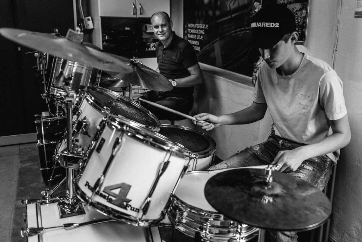 Iedereen kan leren drummen.